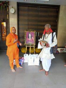 Radhe Maa Anna Kambal Brahman Seva (9)